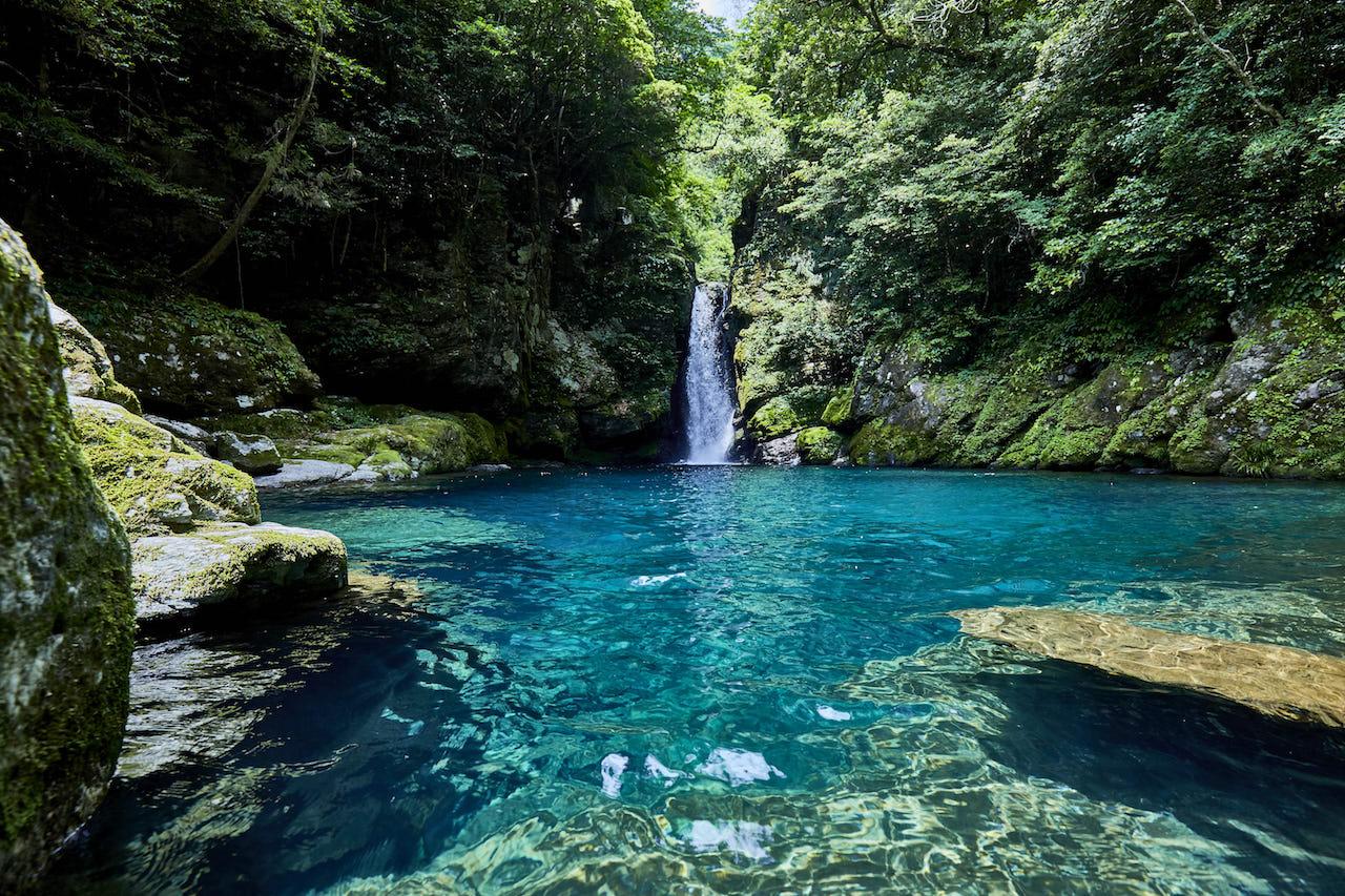 【涼を呼ぶ夏の絶景】日本全国の美しい滝55選 画像1