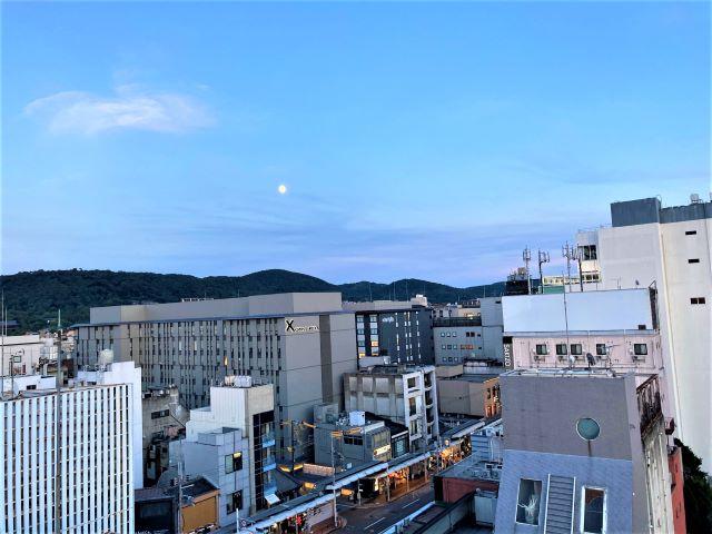 【星野リゾート OMO5京都三条 宿泊ルポ 前編】京都らしい景色とゆとりある客室、優しい朝食でおもてなし 画像21