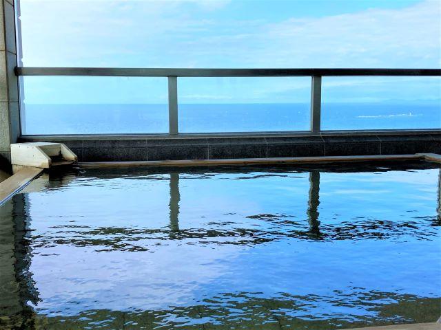 最上階の露天風呂は海に囲まれた絶景温泉!オーシャンビューの客室や充実の朝食も魅力「南紀白浜マリオットホテル」【宿泊ルポ】 画像14