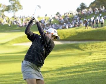 勝みなみ首位、1打差で西郷真央 日本女子オープンゴルフ第3日 画像1