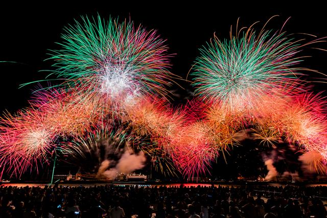 熱海の夜空を彩る花火の祭典!『SHIZUOKA・ATAMI HANABI FESTIVAL #海と⼲物と⾳楽と』 画像2