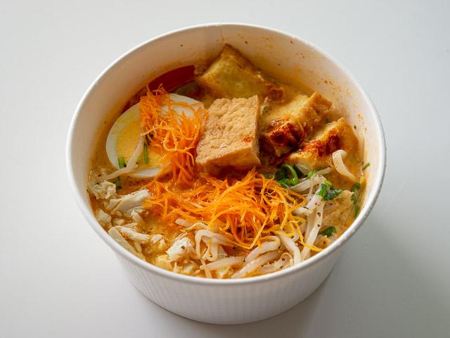 【成城石井エスニック惣菜レビュー】「シンガポール風ラクサ」はスープの旨さが本格的! 画像10