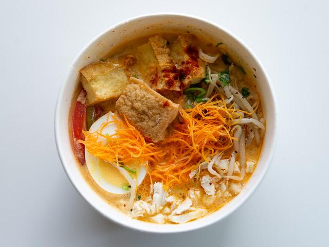 【成城石井エスニック惣菜レビュー】「シンガポール風ラクサ」はスープの旨さが本格的! 画像3