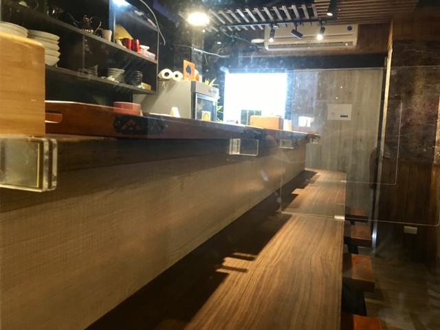 【台湾】揚げたての鶏肉たっぷりの汁なし麺が絶品!隠れ家のような雰囲気の台北「來了就吃」 画像5