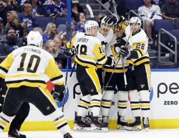 NHL、王者ライトニングは大敗 レギュラーシーズン開幕 画像1