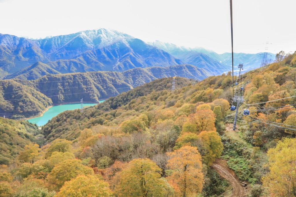 苗場スキー場「苗場ドラゴンドラ」からの景色(2021年10月18日(月)9時撮影)